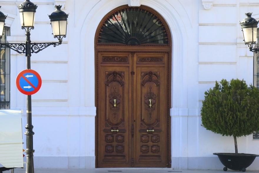 restauracion puertas ayuntamiento tomelloso