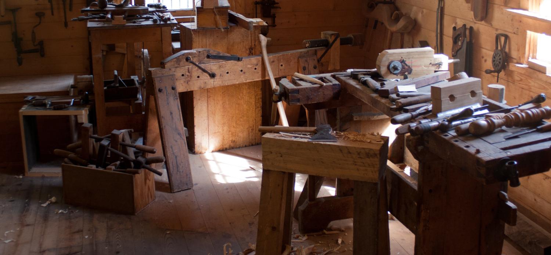 taller demostrativo piezas antiguas madera